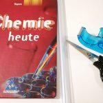 ドイツの教科書はカバーが必須 透明ブックカバーの付け方